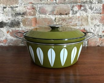 Catherineholm Avocado Green Lotus Dutch Oven