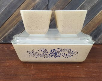 Pyrex Homestead Refrigerator Containers - Set of 3