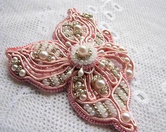 Pink brooch Girlfriend gift for her Flower brooch Beaded brooch Scarf pin Dress brooch Soutache brooch Gift for mother Wedding pin Handmade