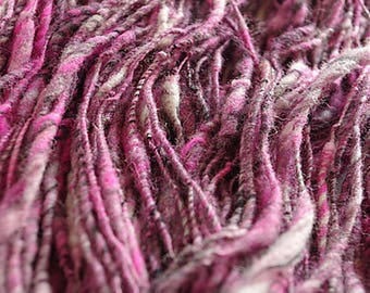 Corespun artyarn GOTH - handdyed merino great for texture in saori weaving, knitting or crochet 64 g (2,25 oz) and 80 m (87 yards)