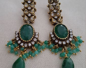 Victorian Style Antique Finish Emerald Green Earrings (Brand New) FREE SHIPPING
