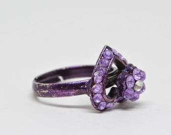 Lovely purple  tone ring