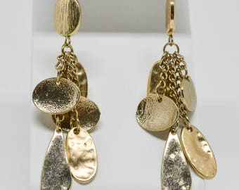 Gorgeous gold tone earrings
