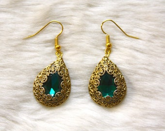 Intricate Gold and Emerald Filigree Earrings
