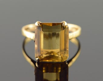 10k 6 CT Citrine Solitaire Ring Gold