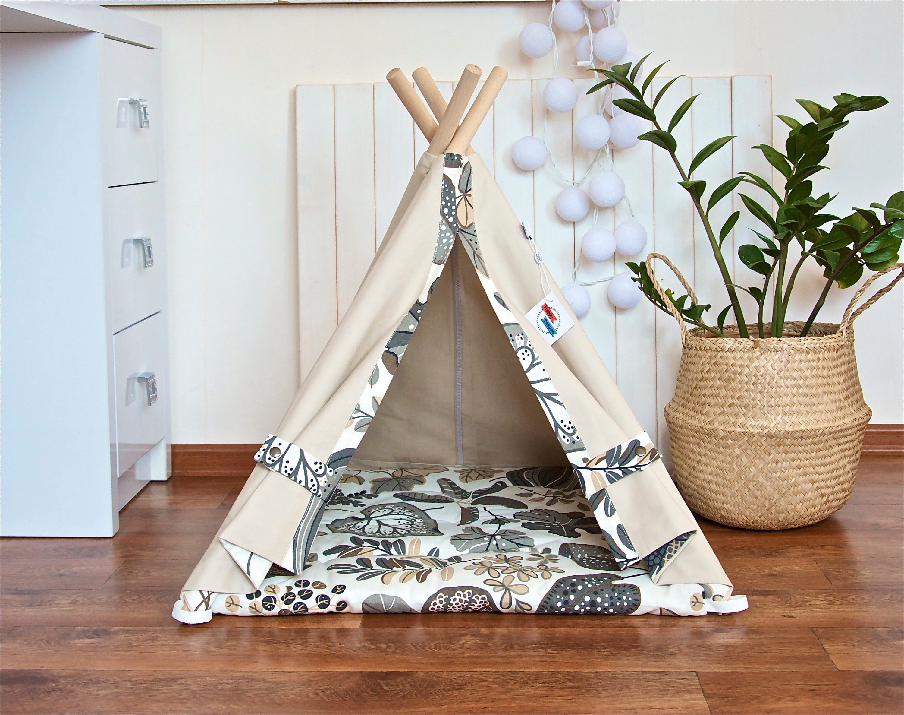 pet teepee with poles and mat dog teepee cat teepee dog. Black Bedroom Furniture Sets. Home Design Ideas
