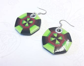 Summer earrings, bargello method