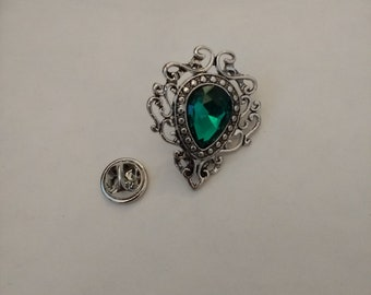Pretty Little Green Stone Pin... Acrylic Stone Pin. Lapel Pin.