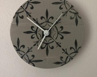 "Rustic Tile design Pallet Clock - 8"""