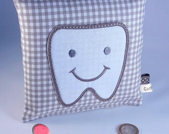 """""""Soan"""" tooth pillow"""