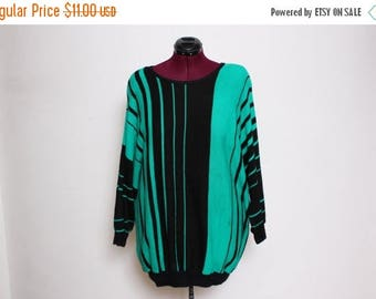 30% OFF VTG 80s Plus Size Green Black Optical Illusion Striped Plus Size Sweater XL/Xxl