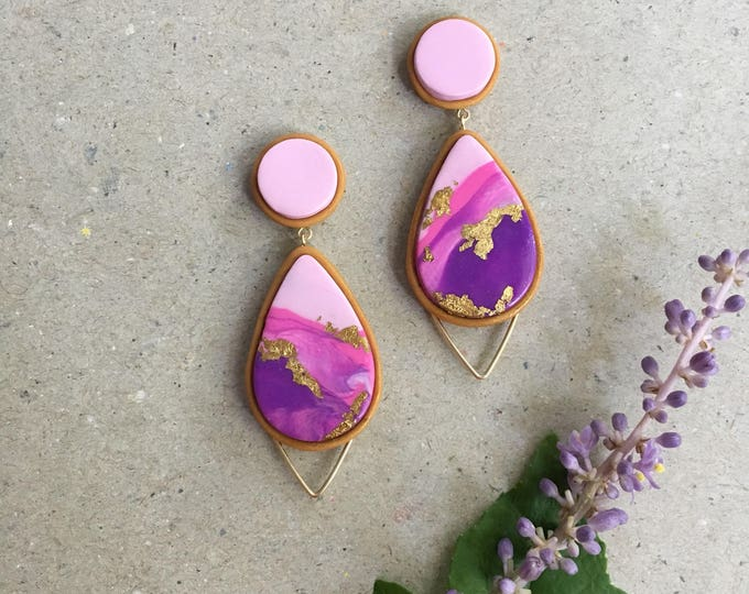 HORIZON DROP STUDS// Handmade pink and purple marbled  drop studs // gold foil, wirework earrings in polymer clay
