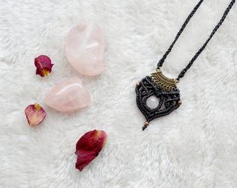 Shakti vaasana • • • • • Cesira Macrame Necklace Micromacramé pink Quartz.