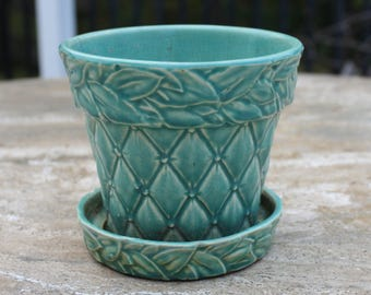 Vintage 40s-60s McCoy Green Planter / Pot Quilted Design with Laurel Leaves