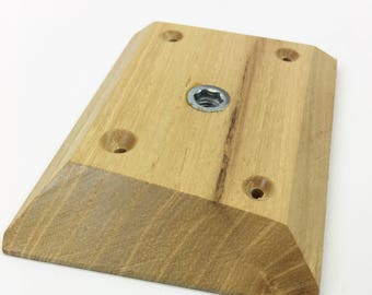 Angled single wooden cleat