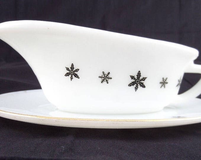 """Pyrex Gravy Boat, Sauce Boat, 1958-67 Gaiety Range 'Holiday' White Opalware, Black Snowflake, Gold Edge, 8.5"""" x 5.5"""", Excellent Condition"""