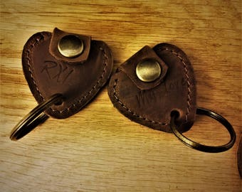 A keys holder for guitar picks, guitar pick, keys holder, leather key holder, guitar pick's case, guitarists, guitar strap, stocking stuffer