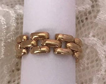 Ladies Panther Style Link Ring in 18K Yellow Gold
