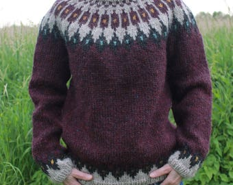 Knit sweater made of pure, Icelandic wool, MADE TO ORDER.