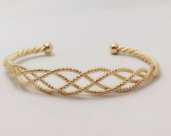 Gold Open Braid Bracelet / Love Twist Bangle / Golden Basket Weave Charm Bangle Bracelet / BR26