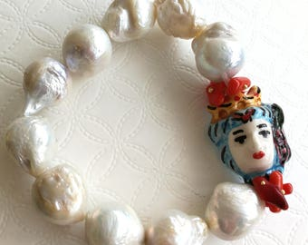 White Baroque pearl bracelet, ceramic of Caltagirone, elastic bracelet