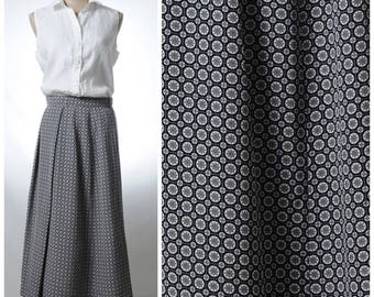 Vintage tile print gray navy pleated maxi skirt
