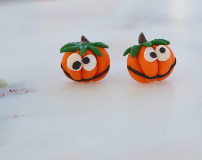 Pumpkins are back! Cute handmade pumkin stud earrings