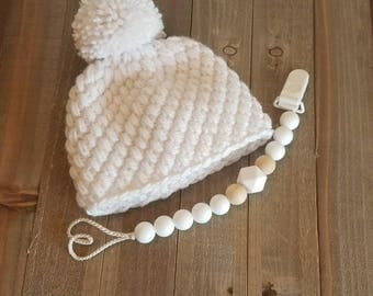 Organic baby teether / baby soothie / baby shower gift / pacifier clip - White