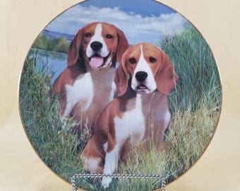 Eager Beagles ~ Decorative Plate ~ Limited Edition ~ Beagles Series ~ Simon Mendez ~ The Danbury Mint ~ Seths Vintage Emporium