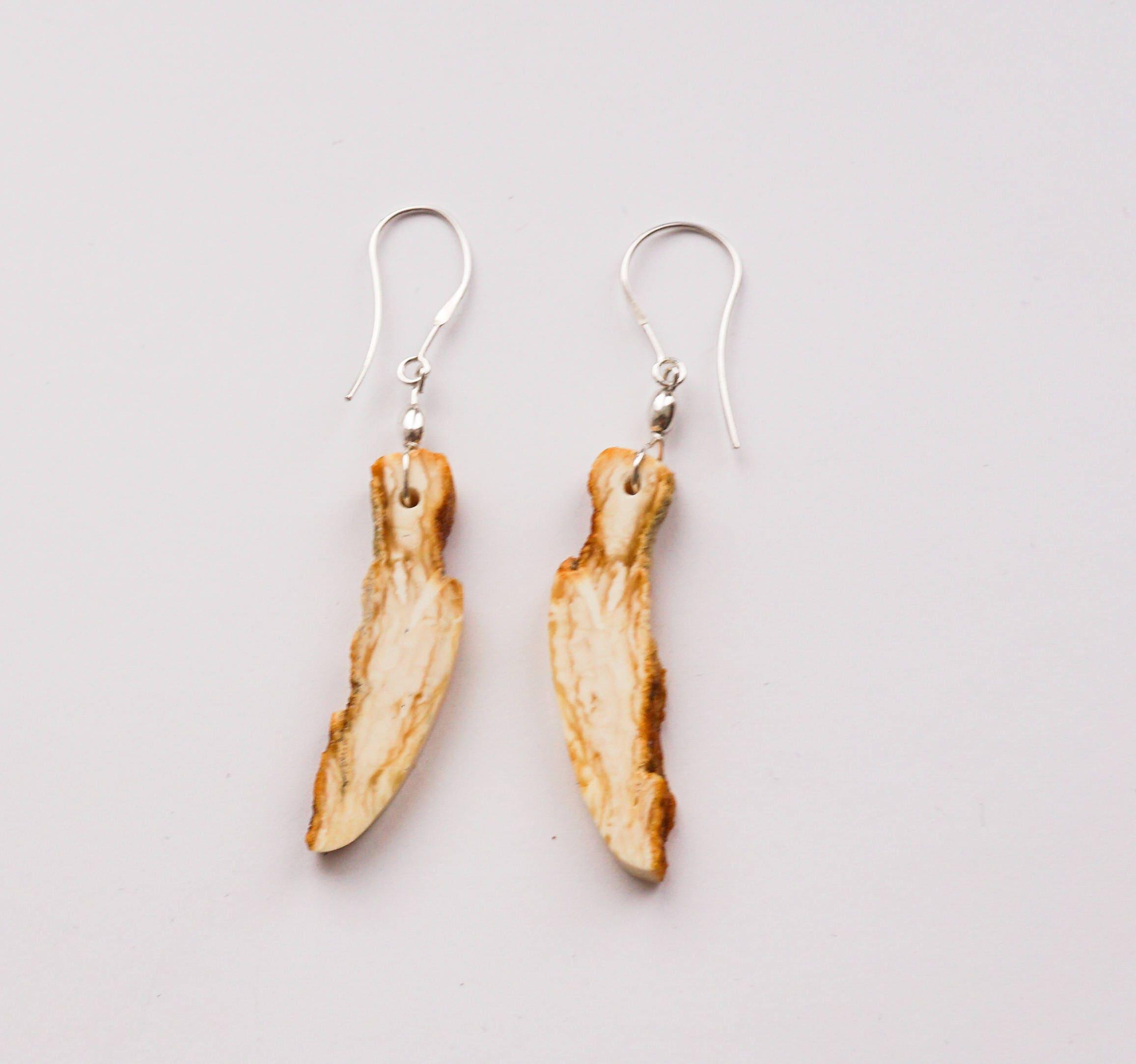 white earrings 3 6g
