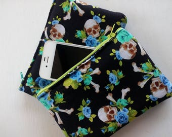 Smartphone pouch flowers and skulls