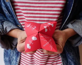 Cootie Catcher Party Game - Adventure (Red)