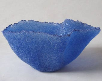 pate de verre (glass) blue vessel g16-034