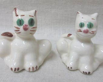 Vintage Hand Painted Pair of Cat Salt and Pepper Shakers