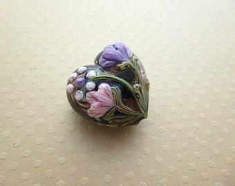Handcrafted heart shaped glass purple flowers 25 mm GBPB 0169