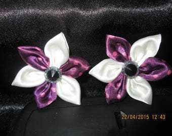 Flower in ivory and puple satin pink polka dot with its Center a black button and silver size 5 cm