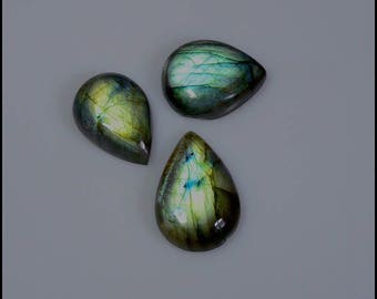 set of cabochons of Labradorite with nice reflections of colors