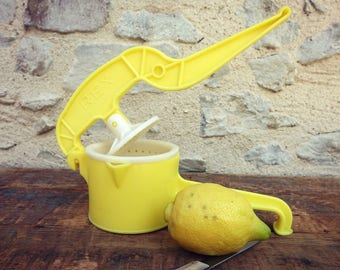 Yellow juicer press - REX brand - Adorable vintage french plastic oranges or lemons