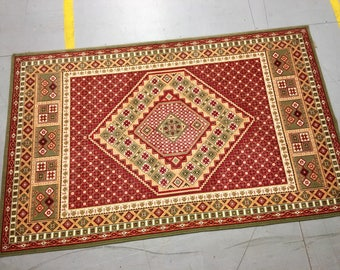 Carpet rug 100% wool geometric pattern red beige and green color warm vintage rug old medium rug retro suitable for home and for restaurant.