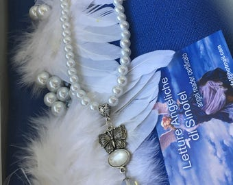 Necklace of white angels