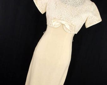 ON SALE Vintage Teena Paige 50s 60s Dress Cream Lace Bow S/S Xs 0 2 Fitted Knee Length Overlay Womens Wedding Y2