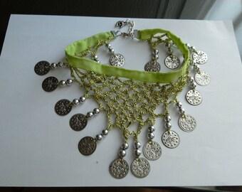 Choker bib Eastern Apple green, sewn handmade