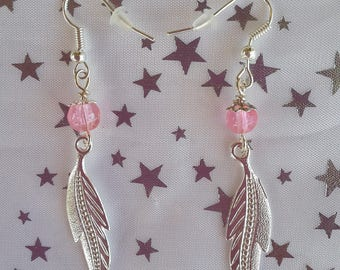 Earrings feathers and pearls roses