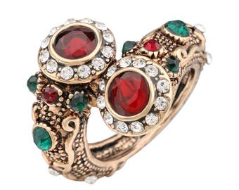 Precious Vintage costume ring
