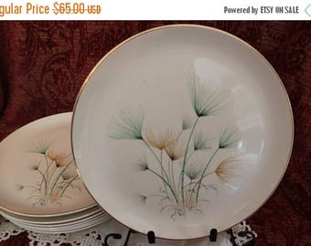 """SALE Set of 8 Crooksville China 10.25"""" Dinner Plates - Green and Gold Windfowers on Ivory Background"""