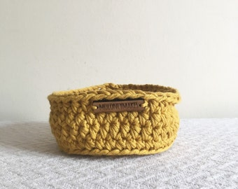 Small Mustard Crochet Basket // Desk Organiser // Storage Solution // Home Accessory