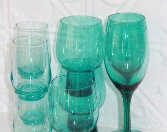 9 Vintage Green Glasses-Free Post