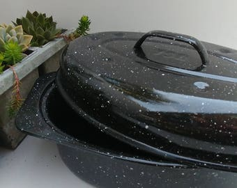 Roasting Pan, Vintage enamelware roasting pan, mid sized, appartment sized, chicken or beef dinner, granite ware, turkey pan, roasting pan