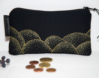 Embroidered black purse / gold embroidered purse / Golden black pattern purse / case embroidered black and gold / Japanese /