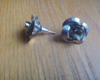 silver tone vintage stud earrings, rose earrings, vintage floral earrings